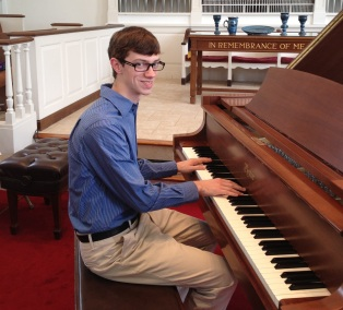 Dan-piano-recital-2013